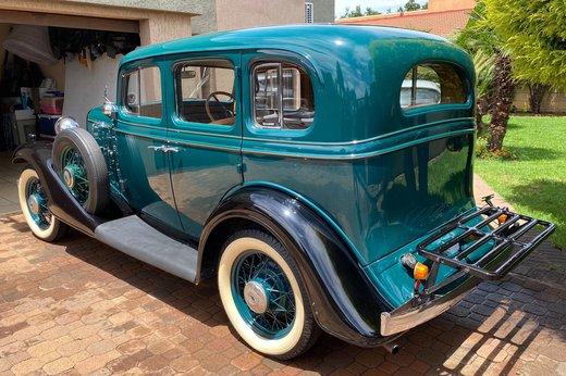 1933 Chev rear left 34.jpg