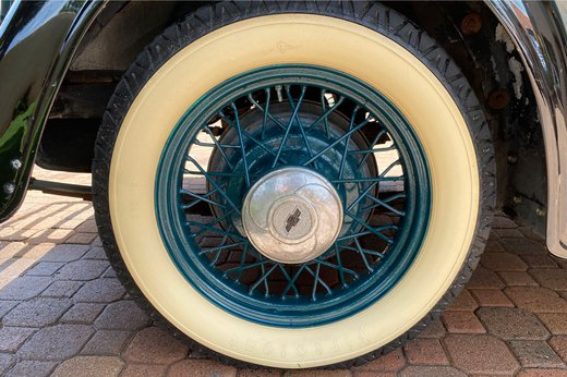 1933 Chev tyre.jpg