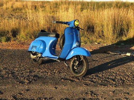 1962 Vespa Primavera 125 Light Blue (36).jpg