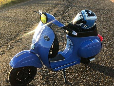 1962 Vespa Primavera 125 Light Blue (7).jpg