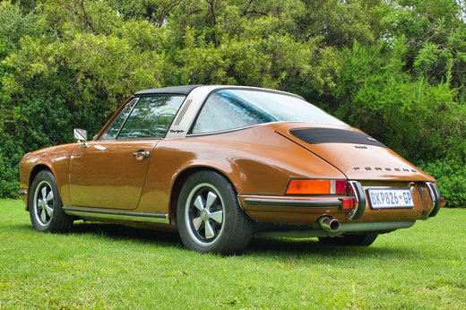 1973 Porsche 911T Targa tight bl.jpg