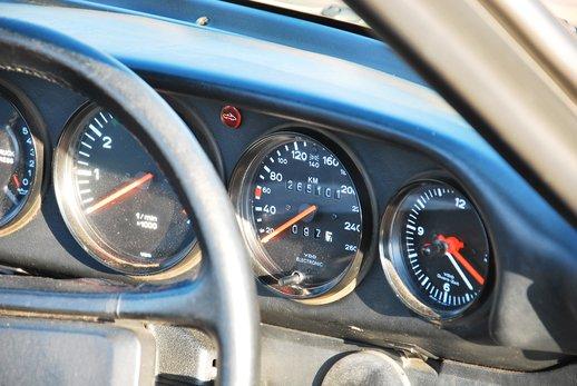 1989 Porsche 911 Cab (49).jpg