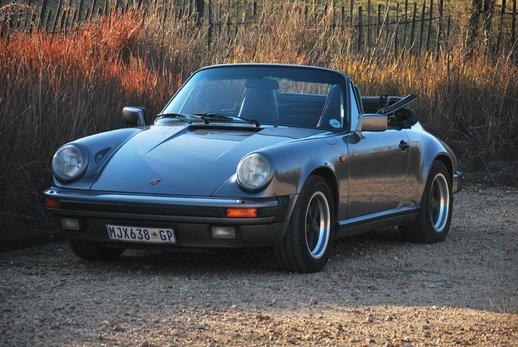 1989 Porsche 911 Cab (72).jpg