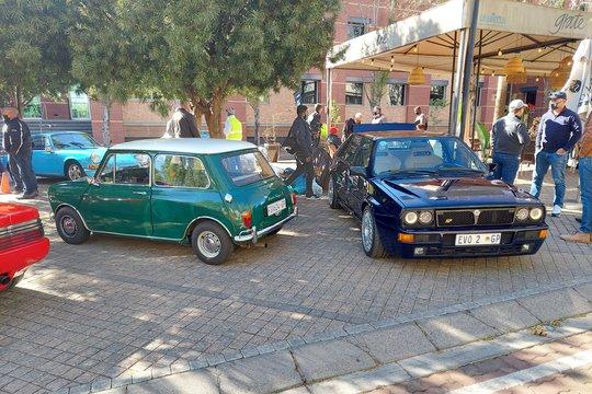 GOOD CARS, COFFEE & PEOPLE