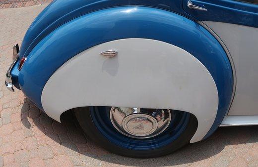 Alvis TA 21 wheel.JPG