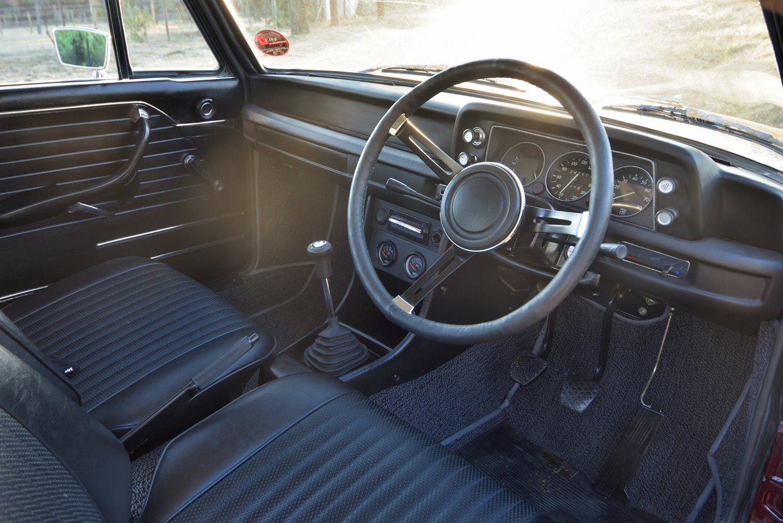 BMW 2002 detail 007.jpg