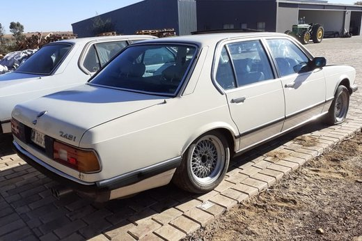 BMW 745 (11).jpg