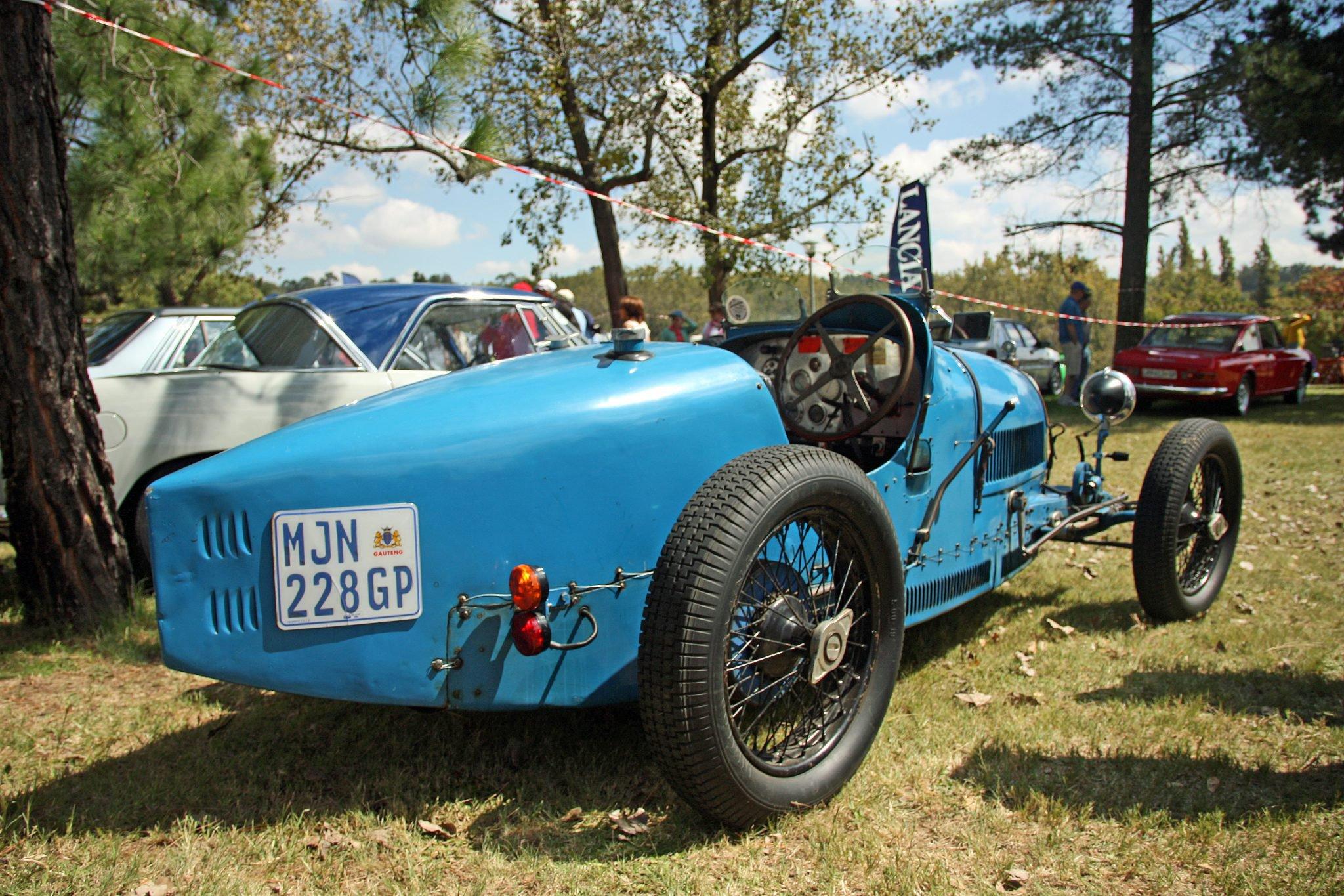 Bugatti-type-37-1927-rear.jpg