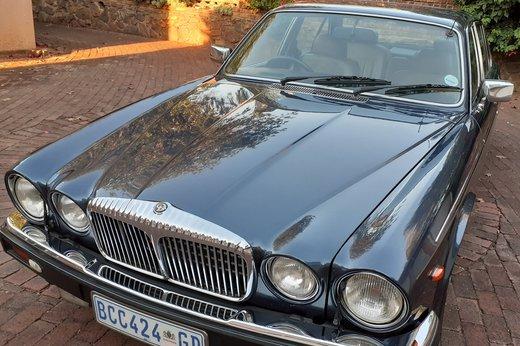 Daimler Double Six Jan (1).jpg