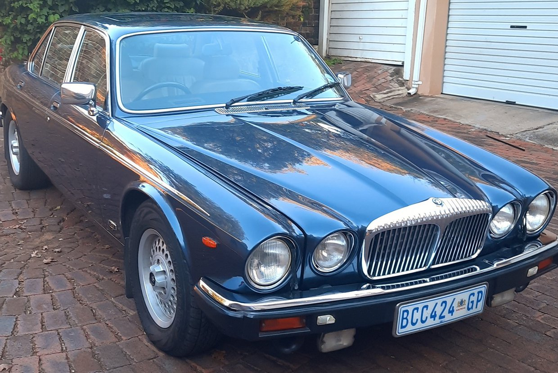 Daimler Double Six Jan (17).jpg