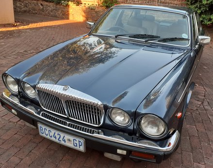 Daimler Double Six Jan (21).jpg