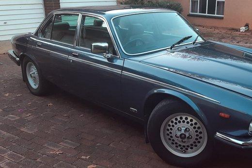 Daimler Double Six Jan (42).jpg
