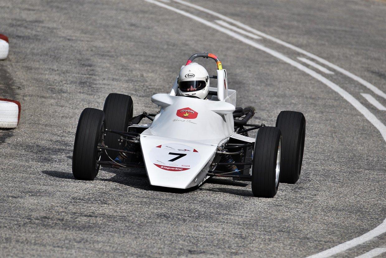 Di Dugmore - 1976 Van Diemen Formula Ford - from 2017 SHC - photo Rob Till.JPG