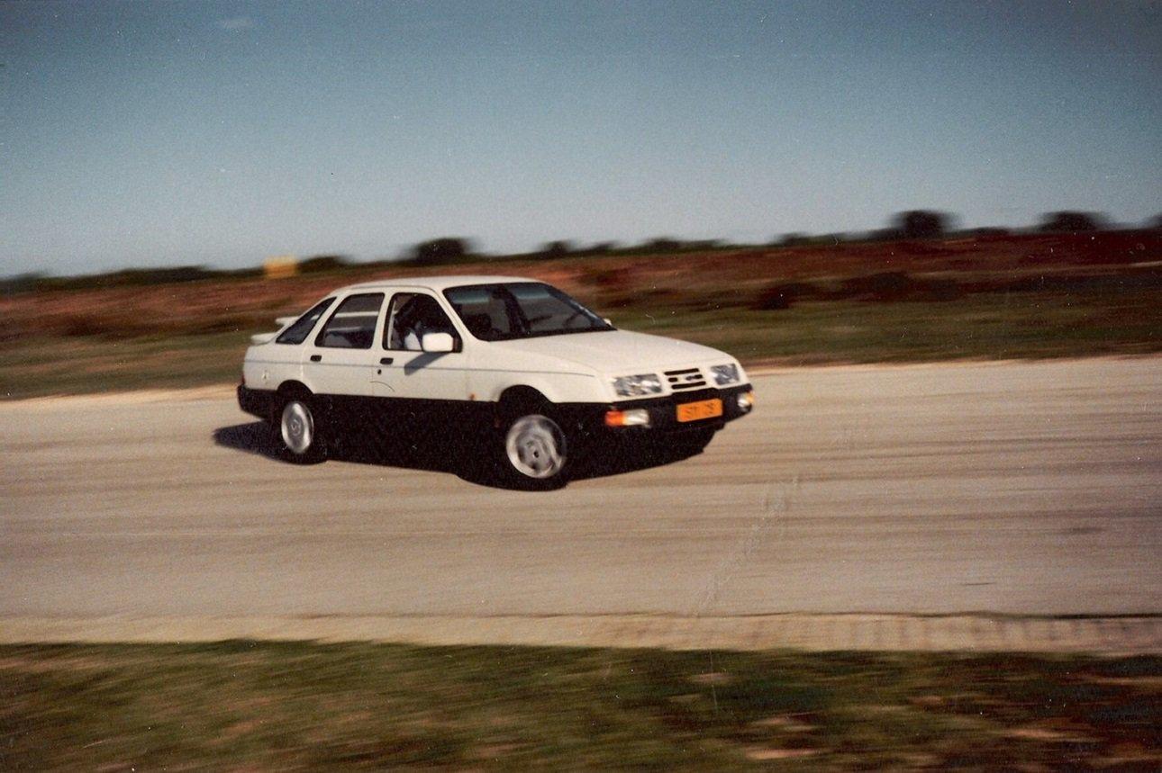 Ford XR8 1.jpg