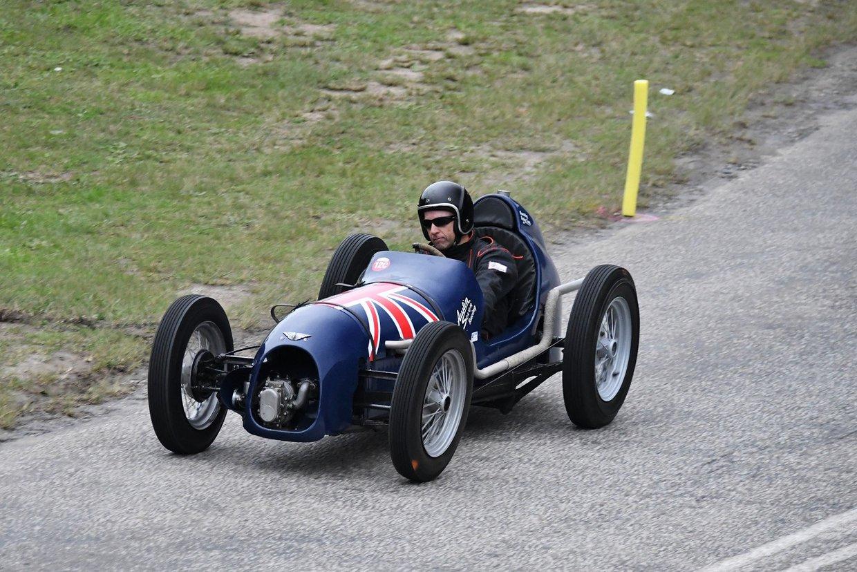 Greig Smith - 1928 Austin Seven  - photo Rob Till - 1.JPG