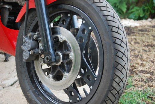 Honda VF500 Auction front fork.jpg