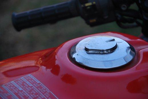 Honda VF500 Auction fuel filler.jpg
