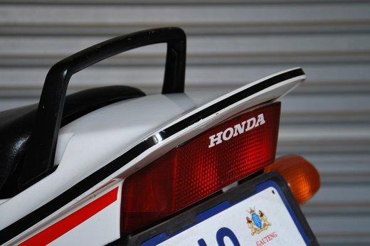 Honda VF500 Auction reard etail (2).jpg