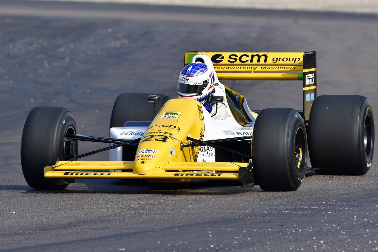 Ian Schofield - 1989 Minardi M189 Cosworth - photo Dave Ledbitter - 2.JPG