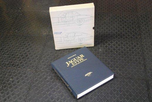 Jaguar book German (3).JPG