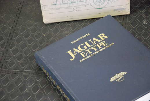 Jaguar book German (4).JPG