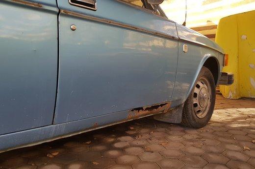 LOT-000032_Volvo 145 blue (24).jpg