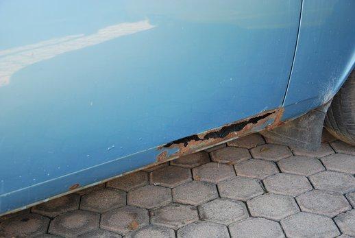 LOT-000032_Volvo 145 blue (41).jpg