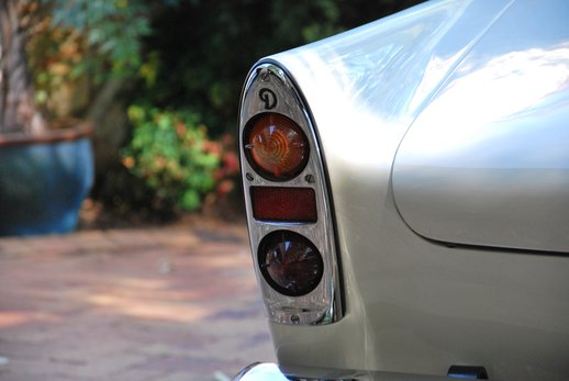 LOT-000074_Daimler Dart (13).jpg