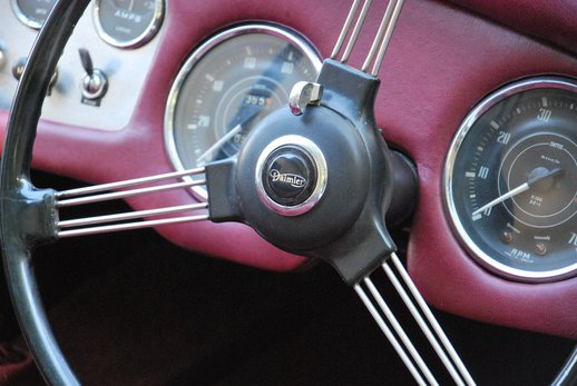 LOT-000074_Daimler Dart (14).jpg