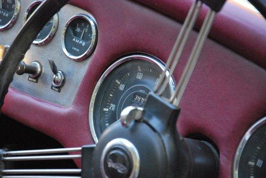 LOT-000074_Daimler Dart (16).jpg
