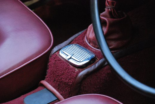 LOT-000074_Daimler Dart (17).jpg