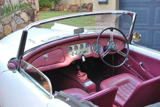 LOT-000074_Daimler Dart (21).jpg