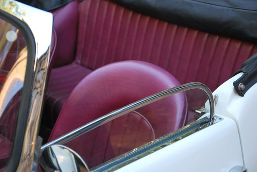 LOT-000074_Daimler Dart (23).jpg