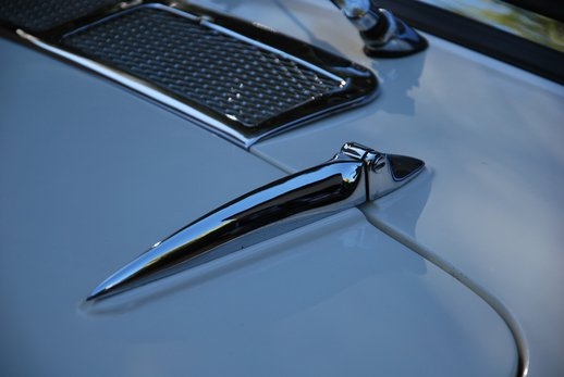 LOT-000074_Daimler Dart (25).jpg