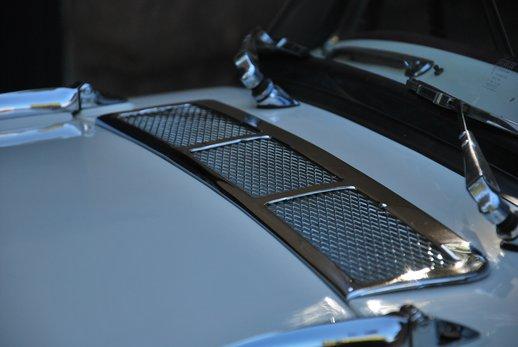 LOT-000074_Daimler Dart (26).jpg
