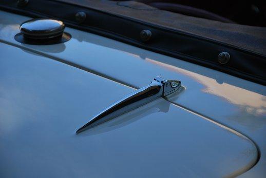 LOT-000074_Daimler Dart (27).jpg