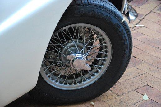 LOT-000074_Daimler Dart (28).jpg