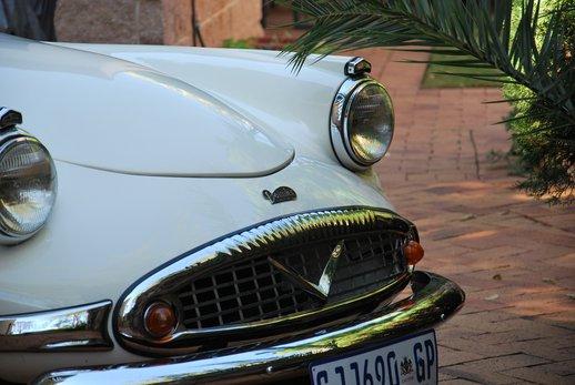 LOT-000074_Daimler Dart (30).jpg