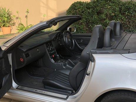 LOT-000088_Mercedes Benz_SLK 32 AMG_h51xvd_img_2496.jpg