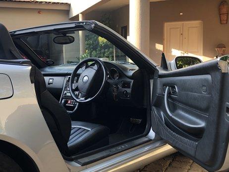 LOT-000088_Mercedes Benz_SLK 32 AMG_o65xni_img_2498.jpg