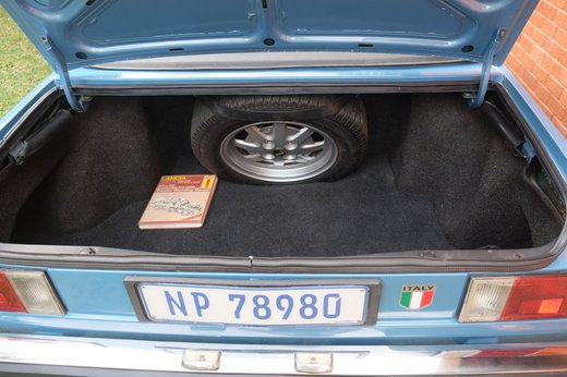 Lancia Beta Spider (1).JPG