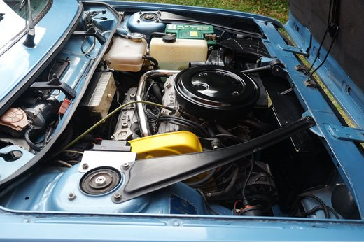 Lancia Beta Spider (11).JPG