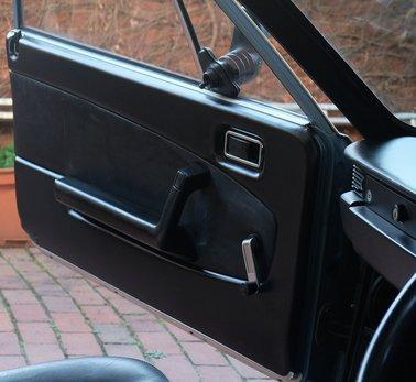 Lancia Beta Spider (8).JPG