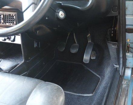 Lancia Beta Spider (9).JPG