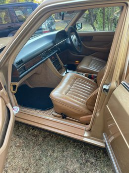 MercedesBenz380SEDr (8).jpg