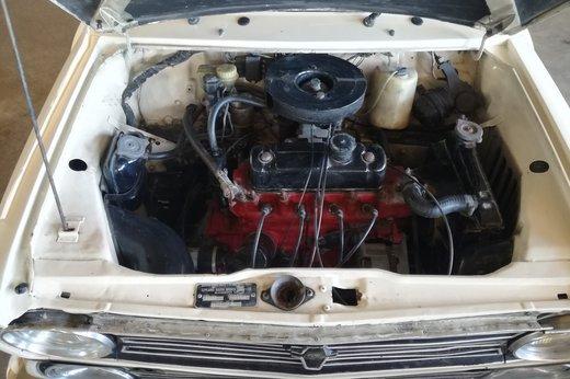 Mini Clubman 1275 1971 int1.jpg