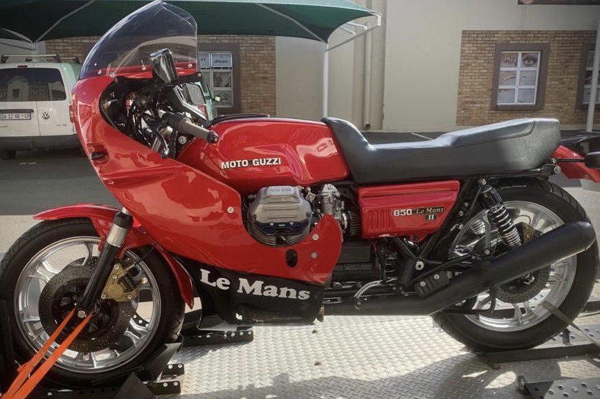 Moto Guzzi Le Mans 2