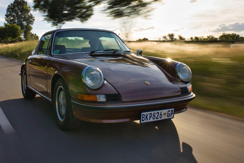 Porsche 911T Targa tracking2.jpeg