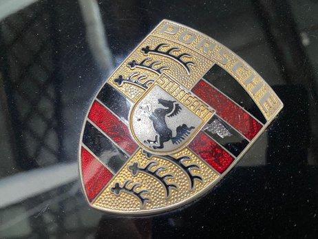 Porsche 944 Technical (46 of 54).jpg