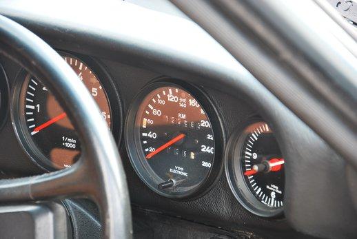 Porsche Carrera 3.2 (43).JPG